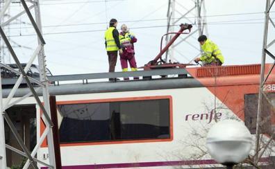 Dos averías en la red ferroviaria de Cantabria obliga a transbordar por carretera a decenas de viajeros