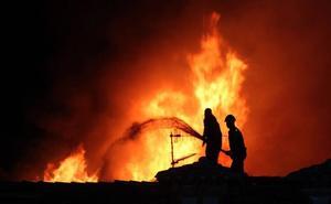 Primeros fríos y primeros incendios de la temporada: una chimenea en Argüeso y una cocina en Liaño