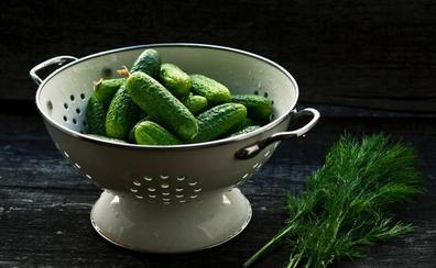 El poder antioxidante de los pepinillos, las aceitunas y las cebollitas