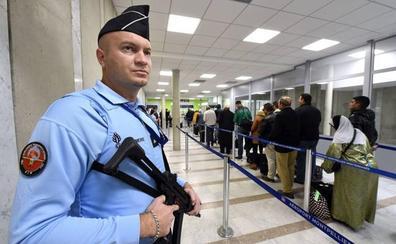París se mantiene en alerta por la fuga de yihadistas franceses de los campos kurdos