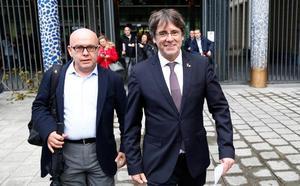 La justicia belga deja en libertad a Puigdemont mientras cursa la euroorden