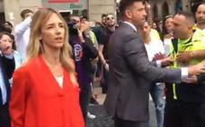 Cayetana Álvarez de Toledo se encara a los independentistas en Barcelona