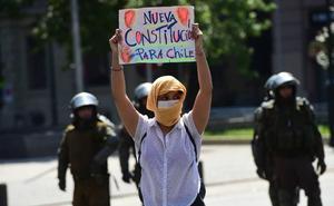 El fuego de Santiago se propaga a todo Chile