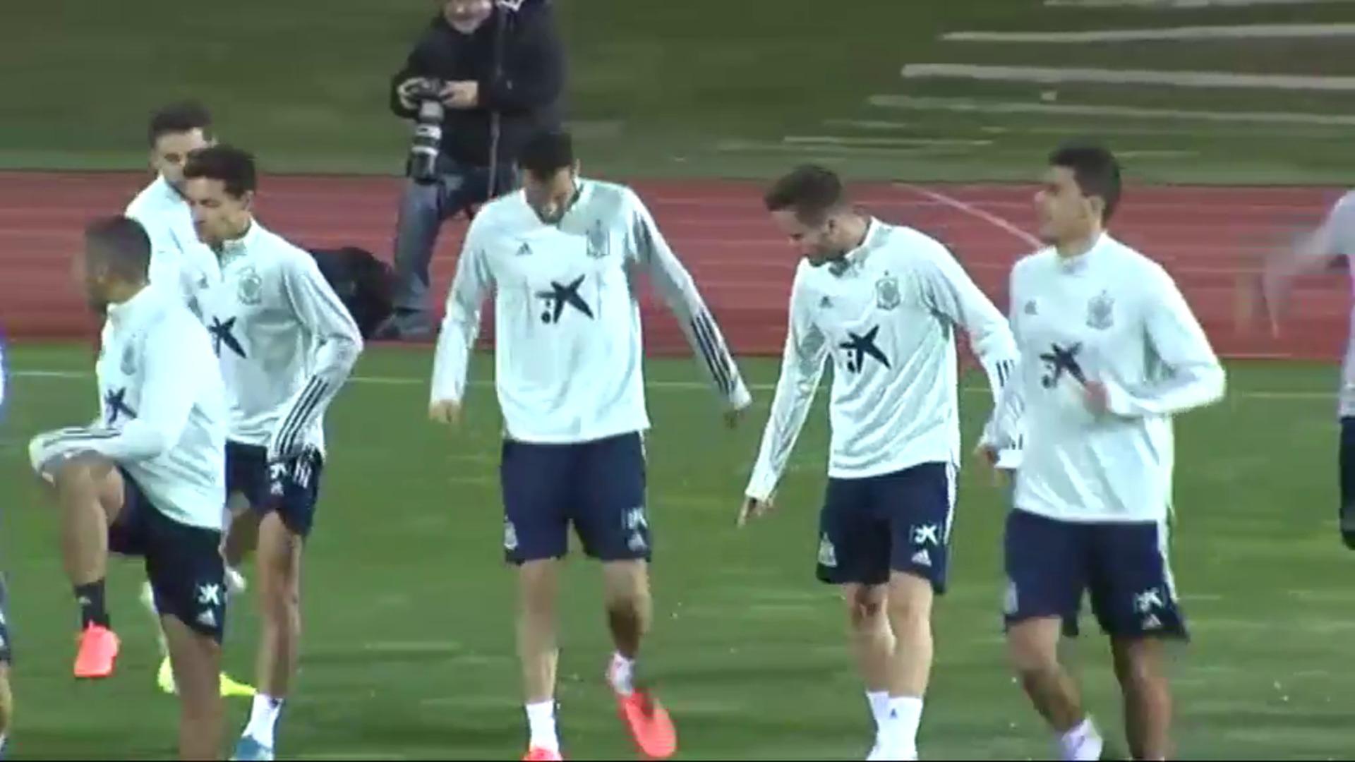 La Selección completa su primer entrenamiento