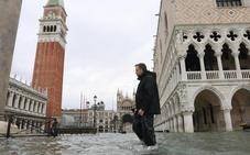 Venecia se prepara para sufrir este domingo una nueva inundación