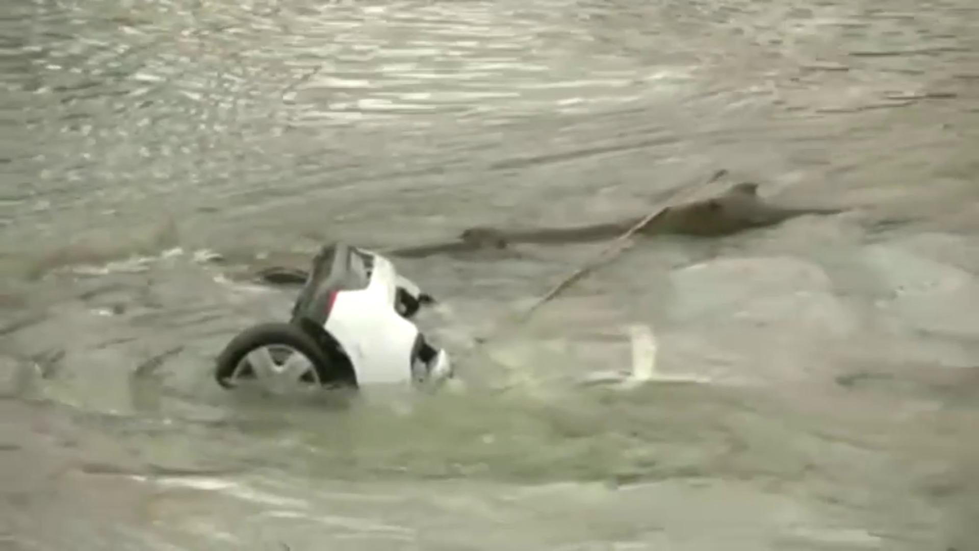 Muere una joven de 15 años al derrumbarse un puente en Francia