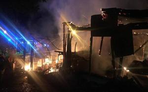 Un incendio calcina un cobertizo y un invernadero en Celis