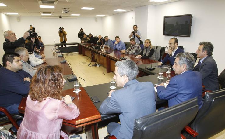 El comité de empresa de Sniace se entrevista con Miguel Ángel Revilla