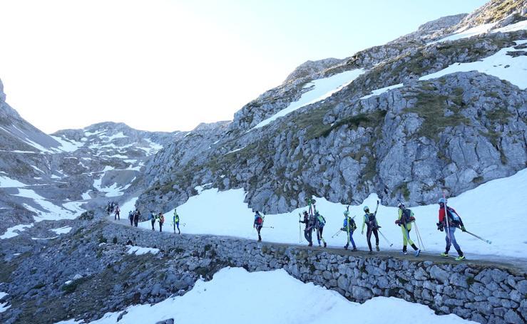 La belleza del esquí de alta montaña en la Sotres Sky Tour