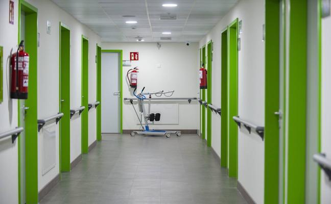 Cantabria movilizará al personal sanitario y sociosanitario de los centros de día a las residencias de mayores