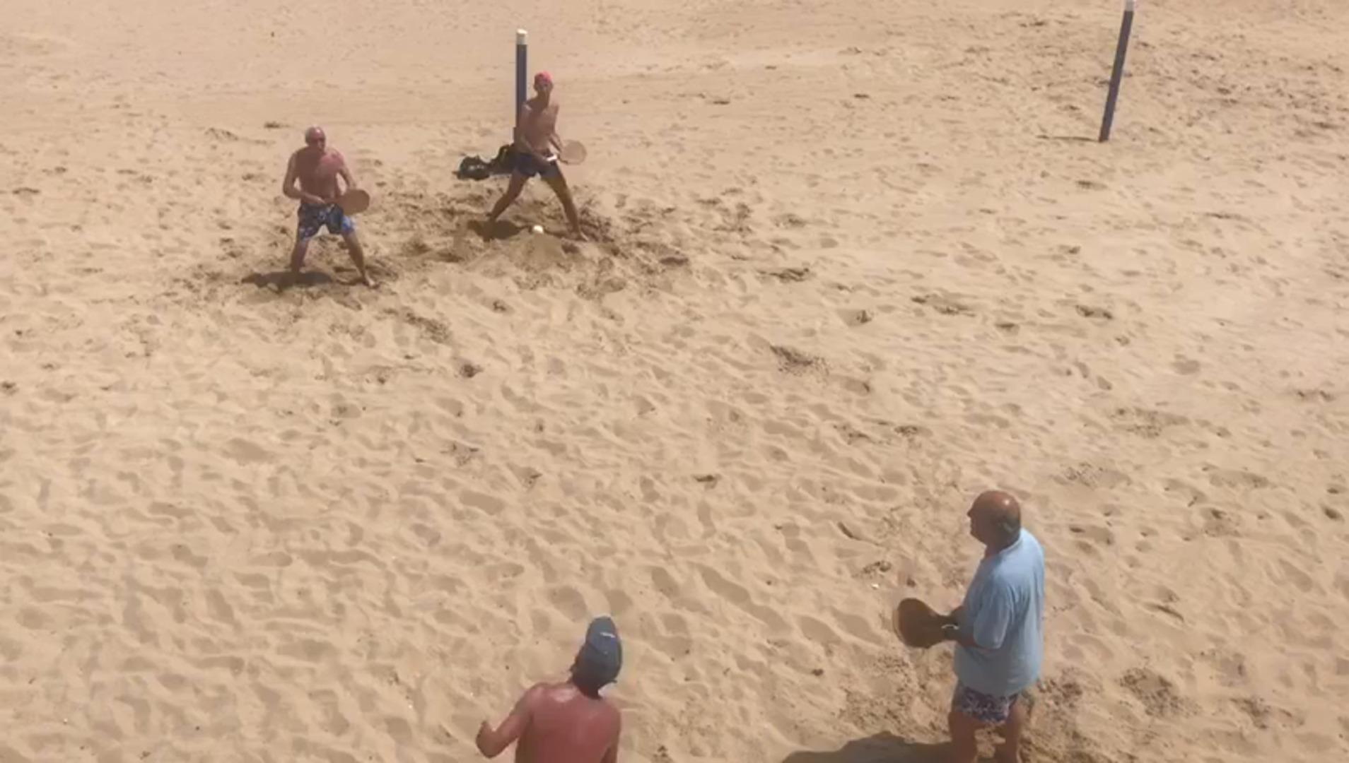 Vuelven las palas a las playas de Cantabria