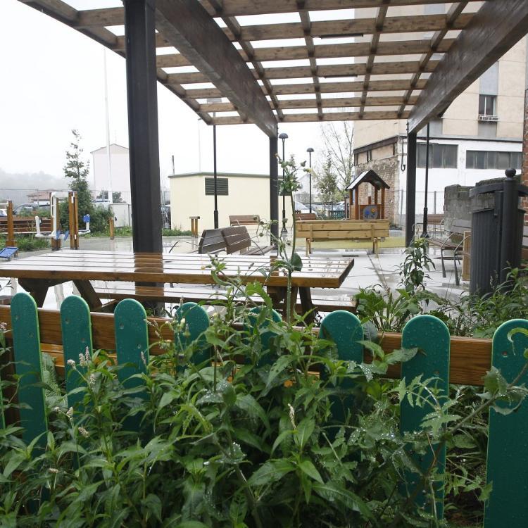 La nueva plaza del barrio Quebrantada se encuentra sin terminar desde hace un año