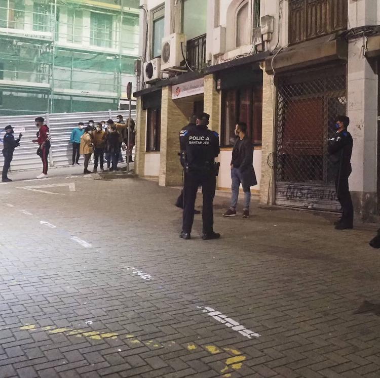 Denunciados 23 locales y 121 personas por incumplir las medidas de contención del covid en Santander