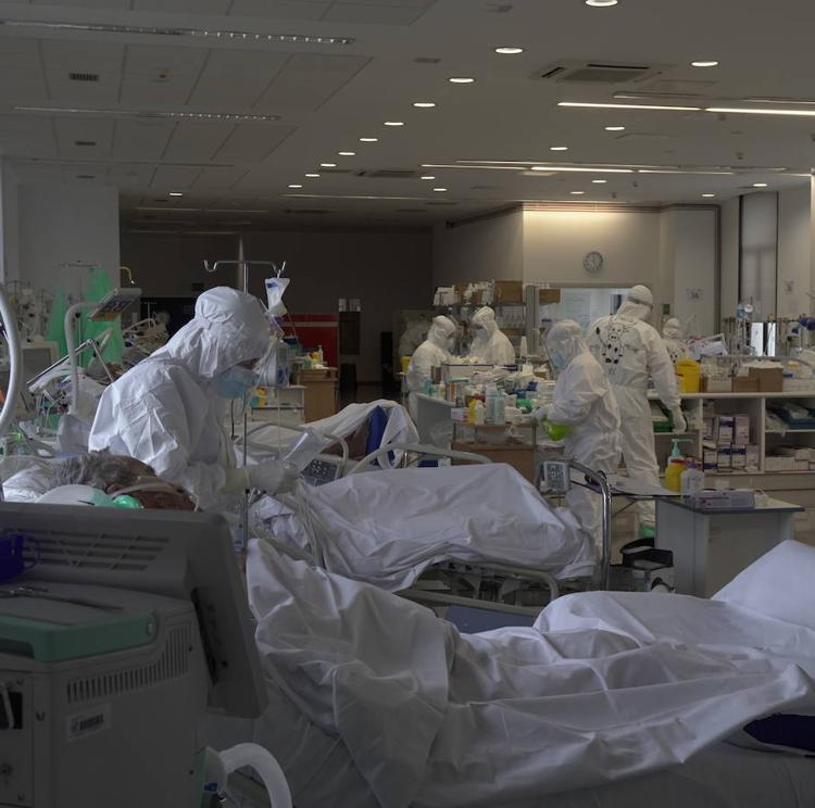 Cantabria reduce la presión hospitalaria y en UCI mientras la curva de contagios continúa su tendencia a la baja
