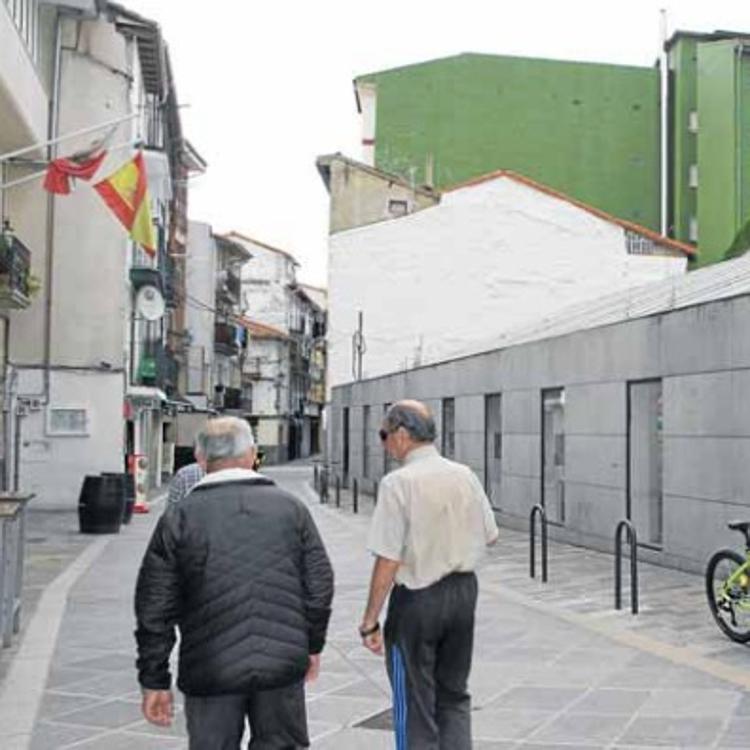 La calle castreña Ardigales se corta al tráfico este jueves y viernes