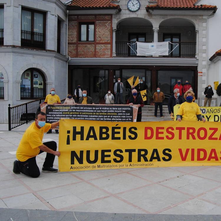 AMA retoma las movilizaciones en Argoños y «urge» aprobar los planes generales