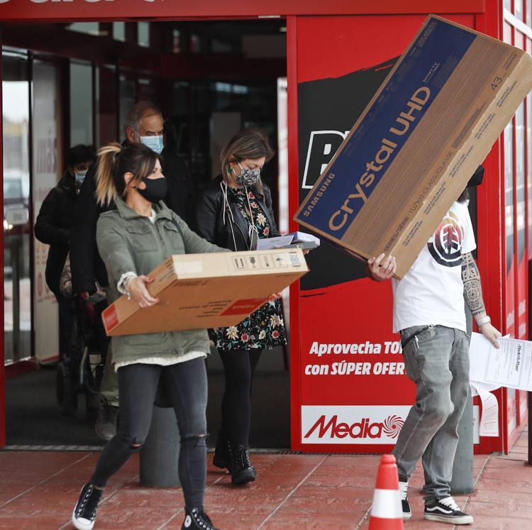 El Black Friday reactiva las compras en Santander, pero no tanto como otros años