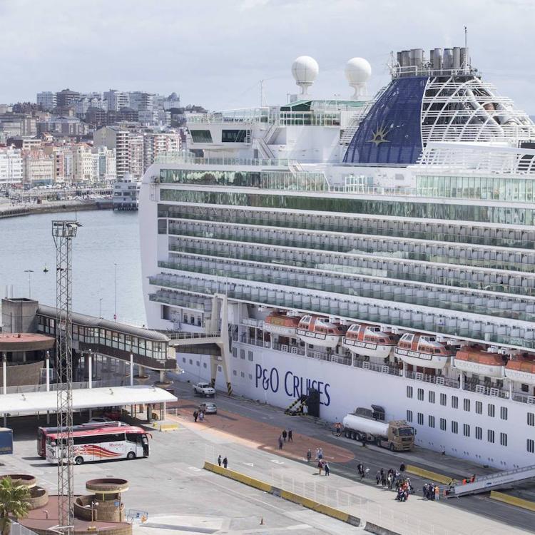 La industria del crucero se reúne dos días en la ciudad, que aspira a atraer estos tráficos