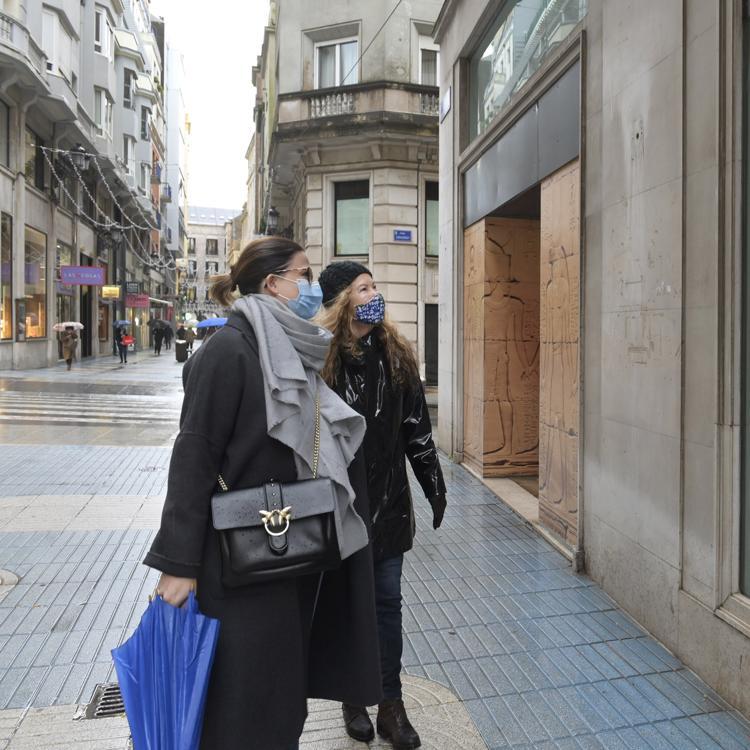 Escaparates desocupados de Santander se llenarán de arte gracias a una veintena de artistas
