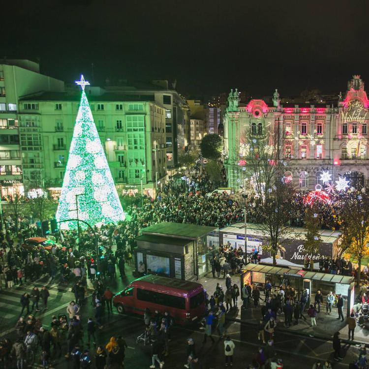 El alumbrado, los belenes y el mercadillo navideño, desde hoy en Santander