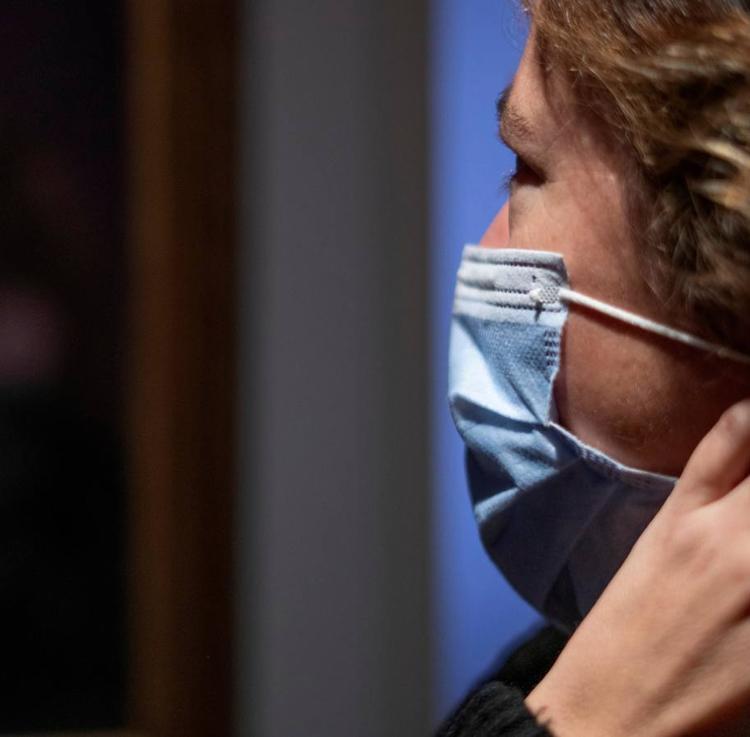 Mueren cuatro personas por covid y los contagios diarios se elevan hasta 181
