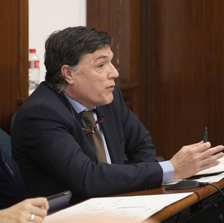 Vox insiste en que los grupos políticos de Santander reduzcan gastos en concejales y personal