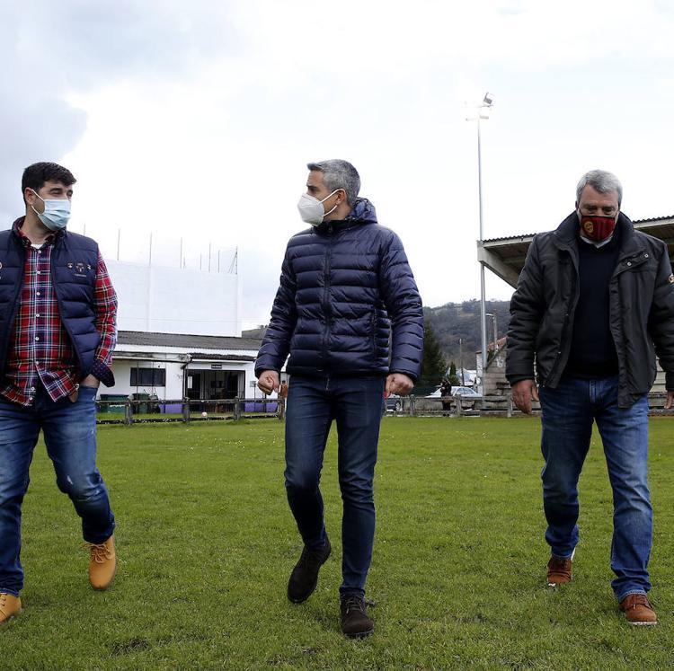 Deportes acondiciona el campo de fútbol y el frontón de Liendo con 95.000 euros