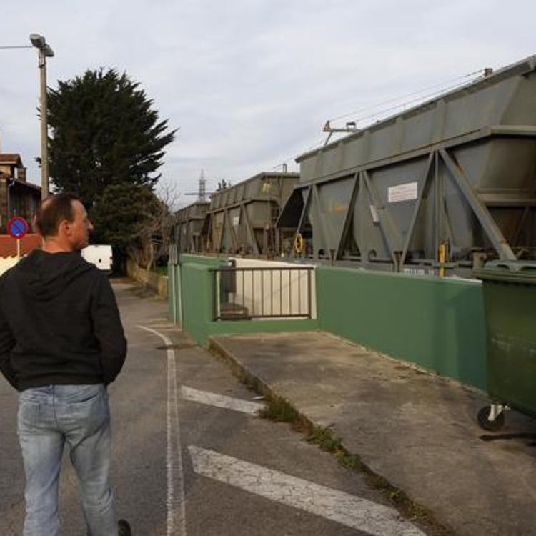 Renfe retirará los vagones estacionados en Barreda si se considera necesario por seguridad