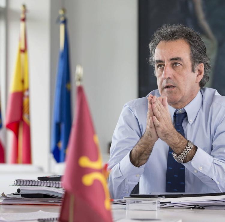 Martín cesa como consejero y aguarda su ratificación para presidir el Puerto