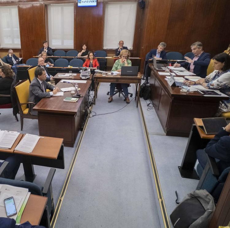 Santander llevará al próximo pleno la congelación de los pagos a concejales y partidos