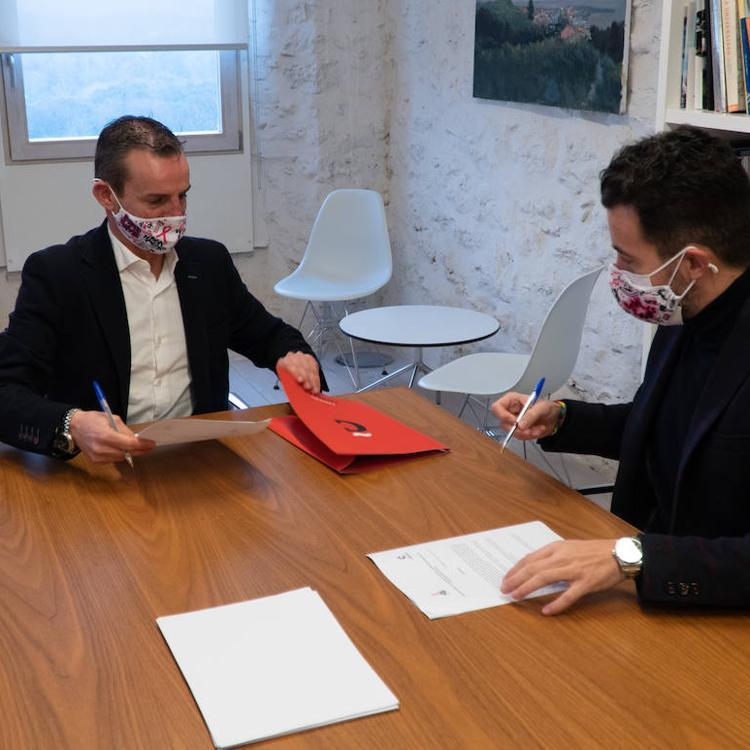 La Fundación Comillas y Rosa Navidad firman un acuerdo de colaboración