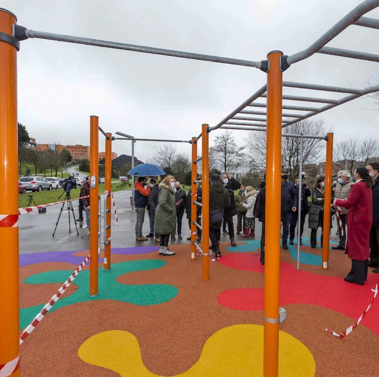 Un circuito de calistenia con sus normas para ejercitarse, novedad en el Parque de Las Llamas