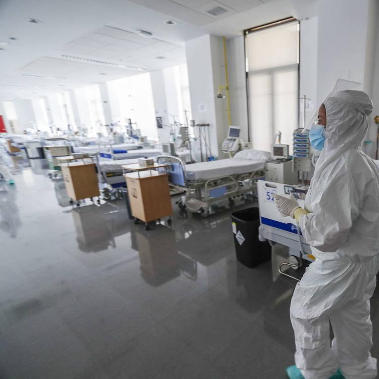 Dos personas más en la UCI y otros cuatro ingresados redoblan la presión hospitalaria en Cantabria