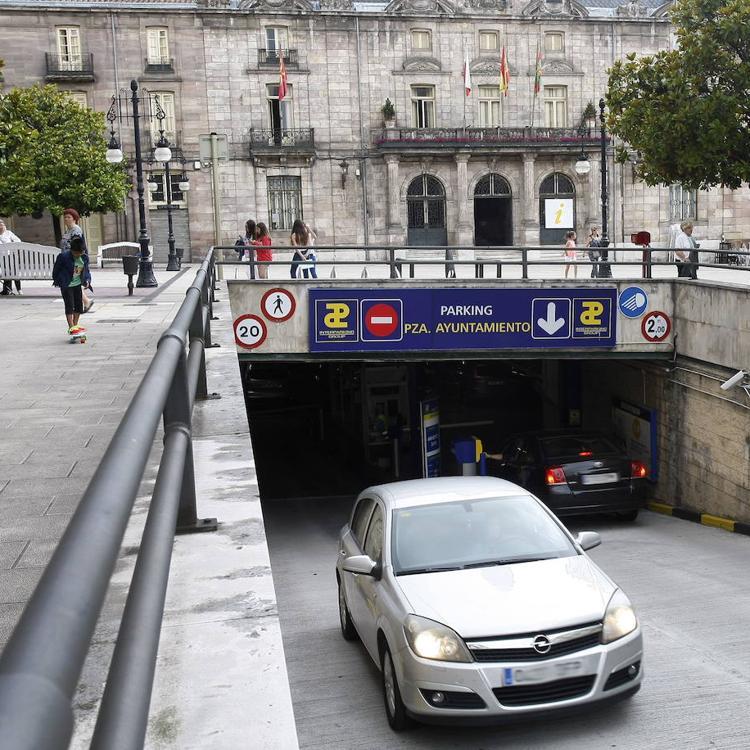 Torrelavega rechaza por unanimidad pagar 114.000 euros al parking del Bulevar al «no estar justificadas» sus pérdidas