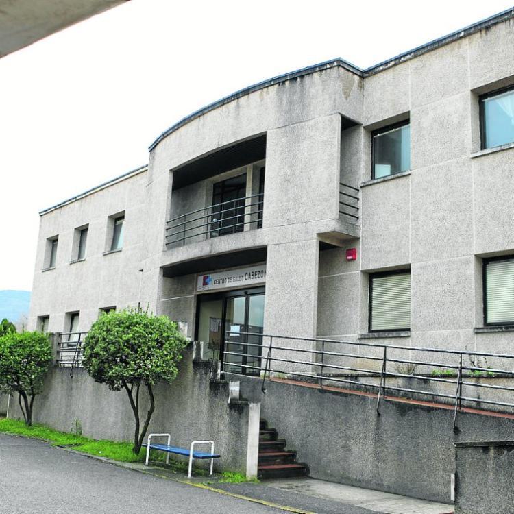 Cabezón contará con un millón de euros para trasladar la escuela de adultos al antiguo centro de salud