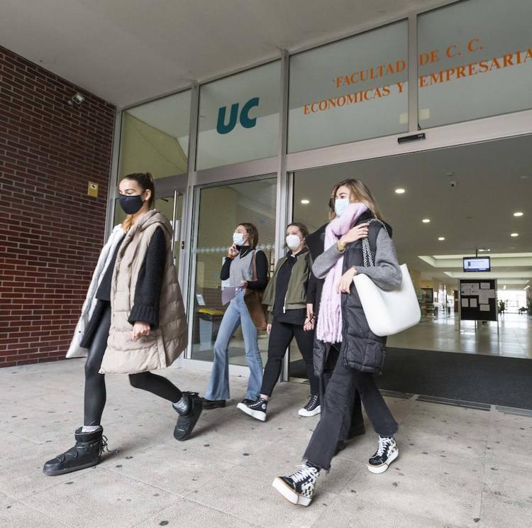 La UC aprueba unas cuentas «equilibradas» y el Gobierno eleva su aportación un 4,25%