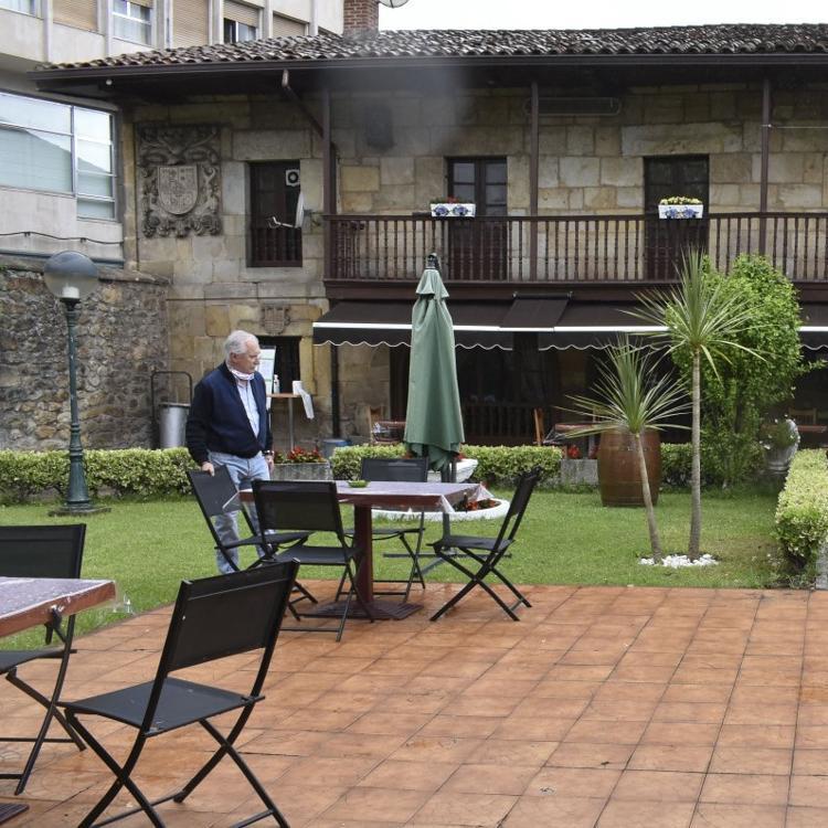 En Los Corrales de Buelna, a pesar de las ayudas, un 10% de locales cerrados