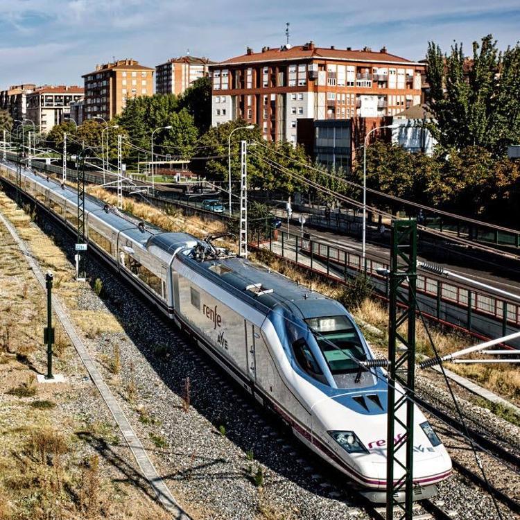 El Ministerio adjudica el primer tramodel AVE entre Palencia y Cantabria