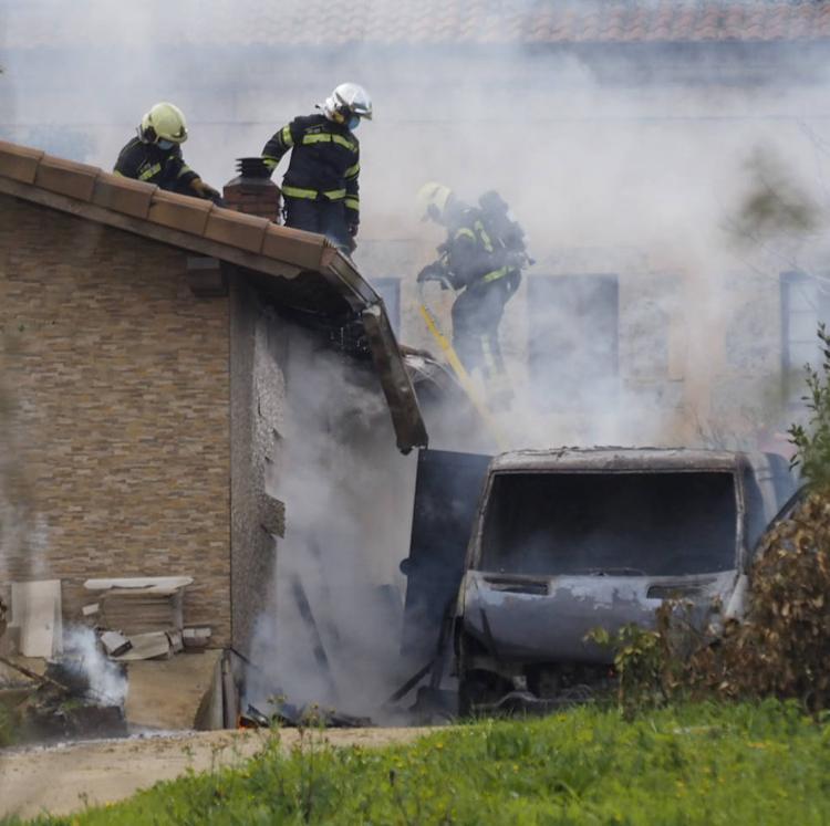Sofocado un pequeño incendio en una de las naves de las Monjas Trinitarias de Suesa
