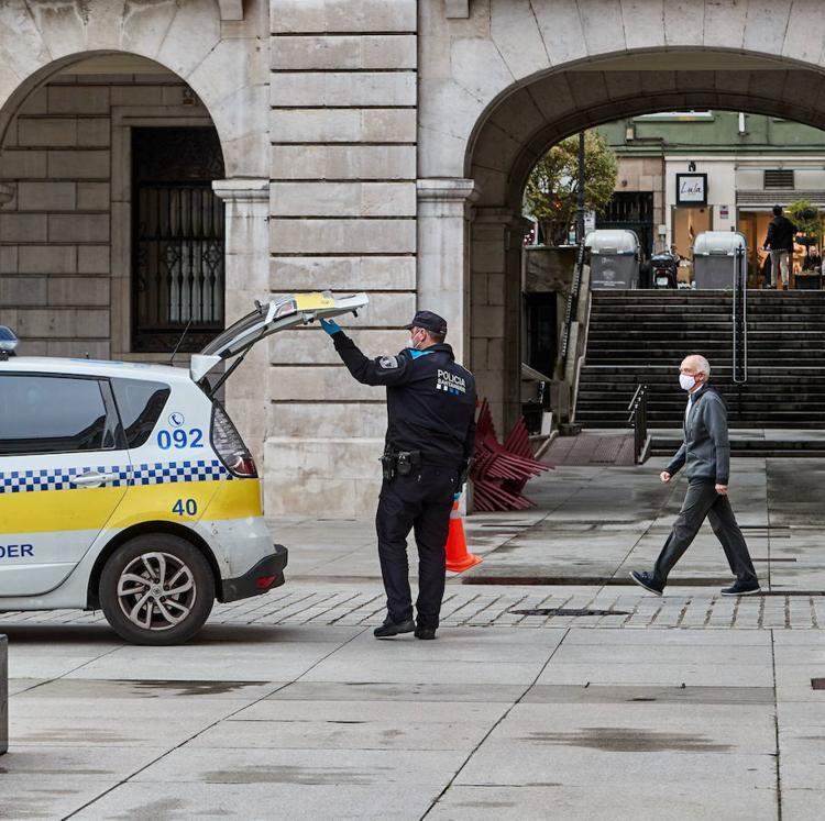 Cantabria suma tres fallecidos y los nuevos casos bajan a 26