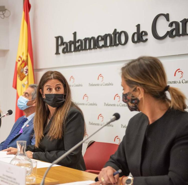 Las empresarias cántabras alertan sobre el número de mujeres «que la pandemia ha arrastrado al paro» y piden ayuda