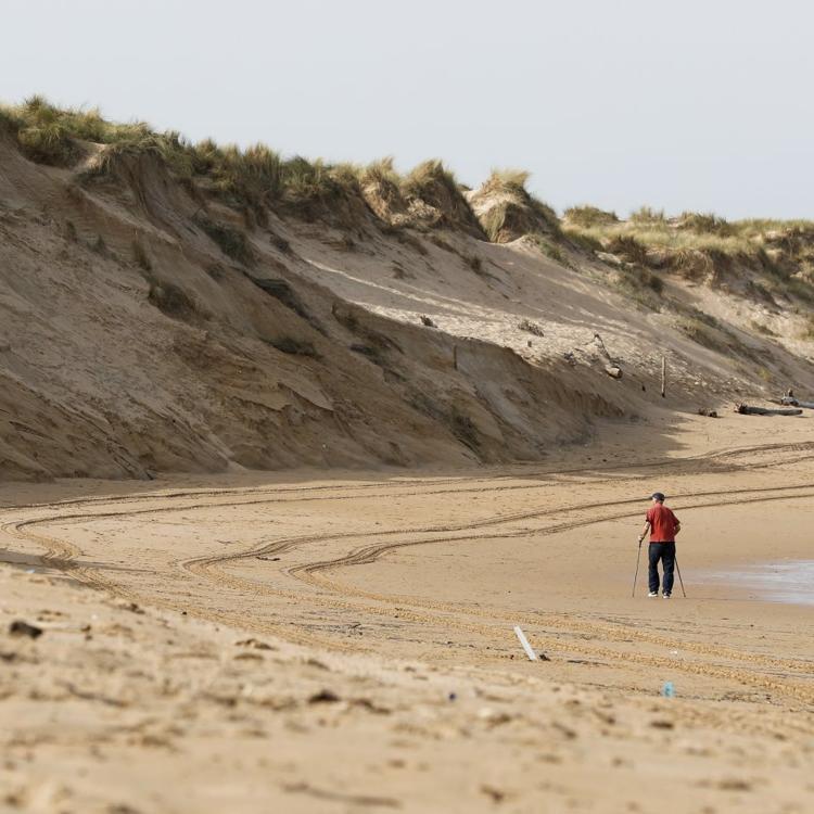 Mordisco en la playa de Valdearenas