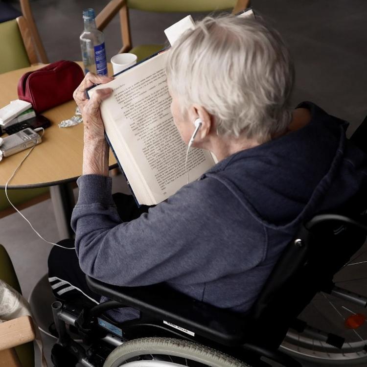 Castro organizará grupos para informar sobre las subvenciones a mayores y personas con discapacidad