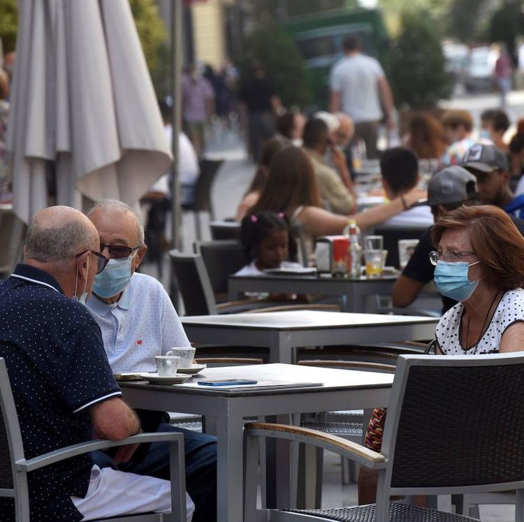 Cantabria se mantiene justo en el límite del riesgo alto por covid