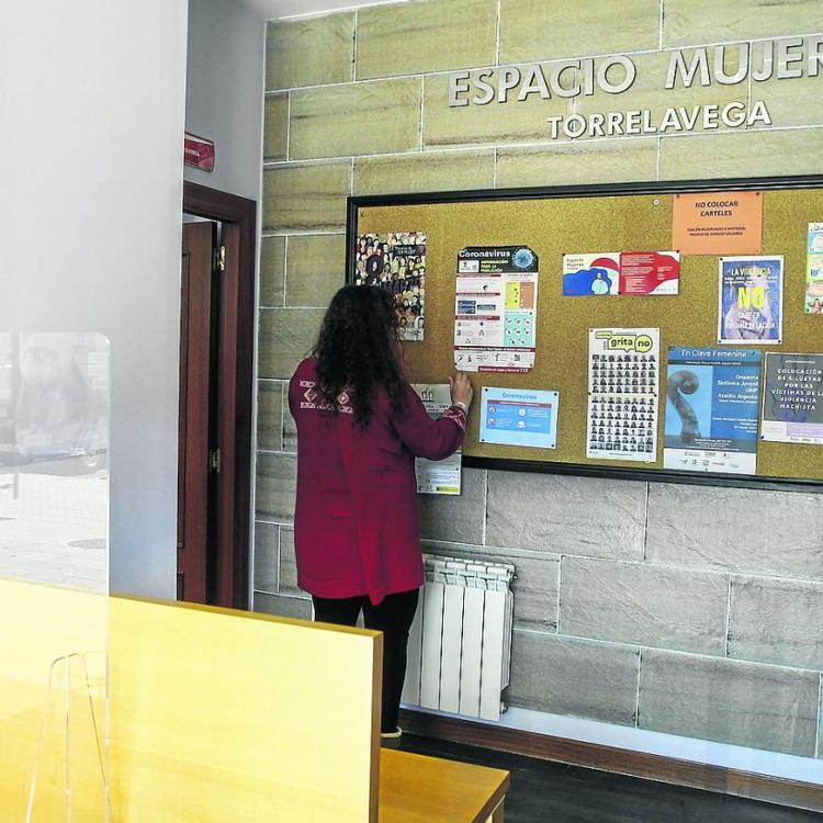 La Cámara de Torrelavega decide prestar servicios fuera de la institución por primera vez