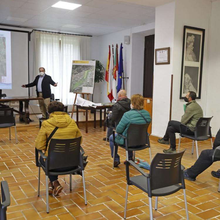 Vecinos de Cabezón presentan 200 alegaciones al proyecto sobre el río Saja