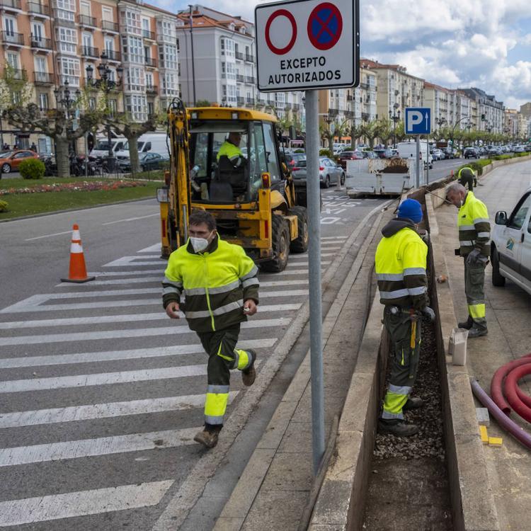 Mejora en la iluminación del carril bici del frente marítimo