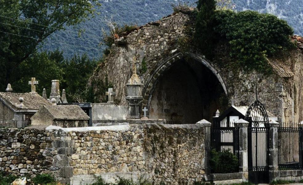 Otros dos monumentos cántabros se suman a la Lista Roja de Hispania Nostra