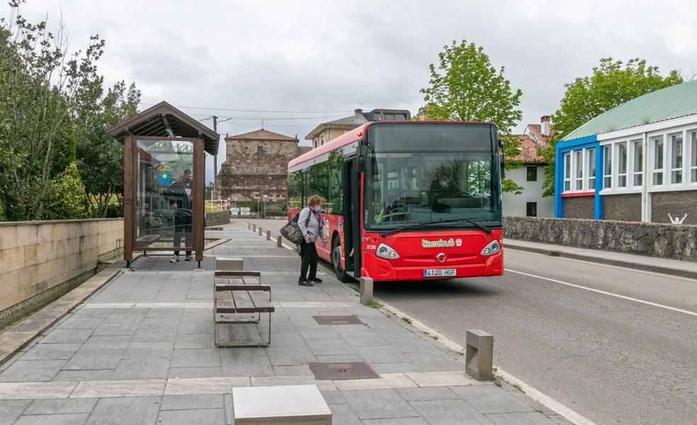 El Torrebus triplica el número de usuarios desde que hay parada en Polanco