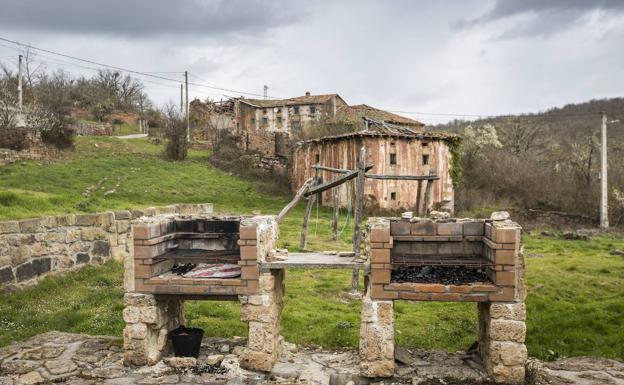Valderredible es el municipio más extenso y menos poblado de Cantabria. En la imagen, Quintanas Olmo, núcleo deshabitado./COTERA